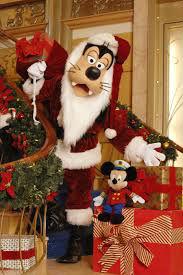 DCL Goofy as Santa