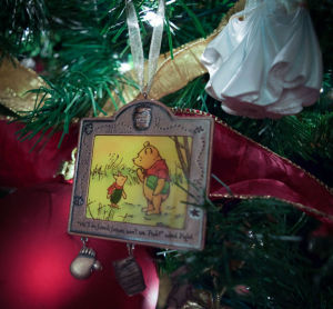 Pooh and Piglet Christmas ornament 2