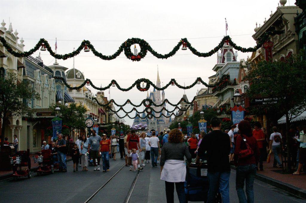 Florida 2006 Walt Disney World Main Street Christmas