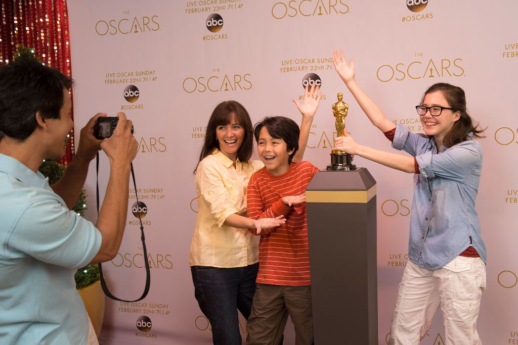 Authentic Oscar¨ Statuette