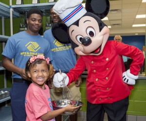 Disney-Helps-Provide-Warm-Healthy-Meals-for-Children-at-Pine-Hills-Boys-and-Girls-Club-3-640x534