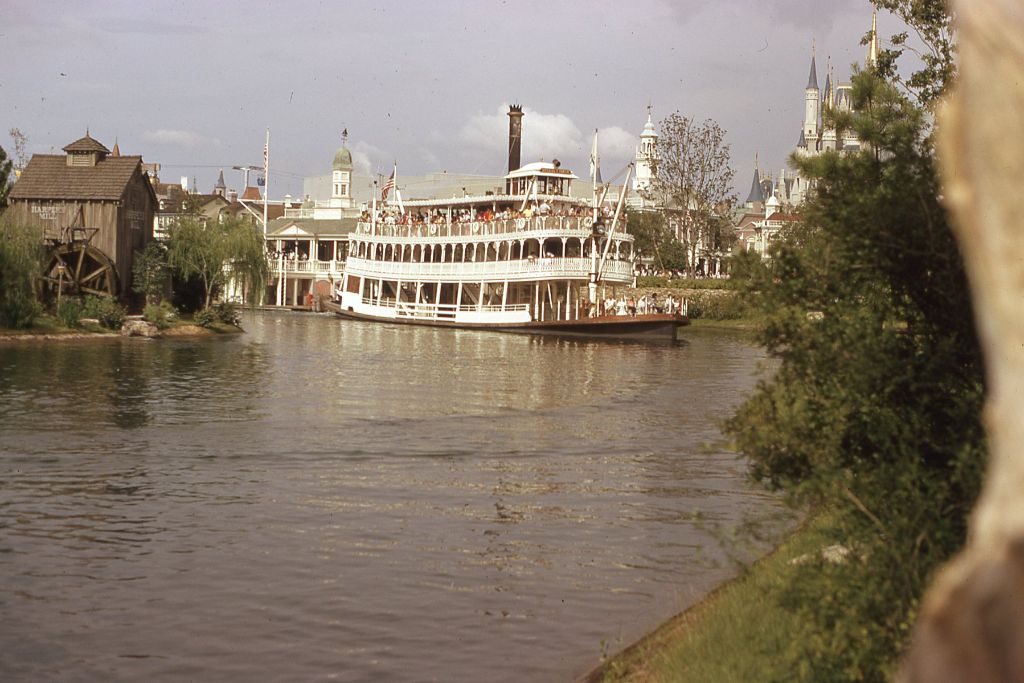 Liberty Belle - Magic Kingdom 1974 - throwback thursday