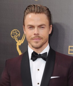 Julianne Hough and Derek Hough to Host ABC's Thanksgiving and Christmas Specials