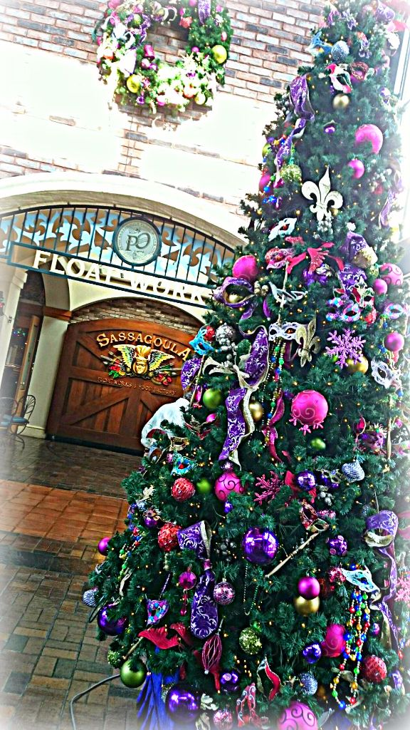 French Quarter Christmas - Wordless Wednesday