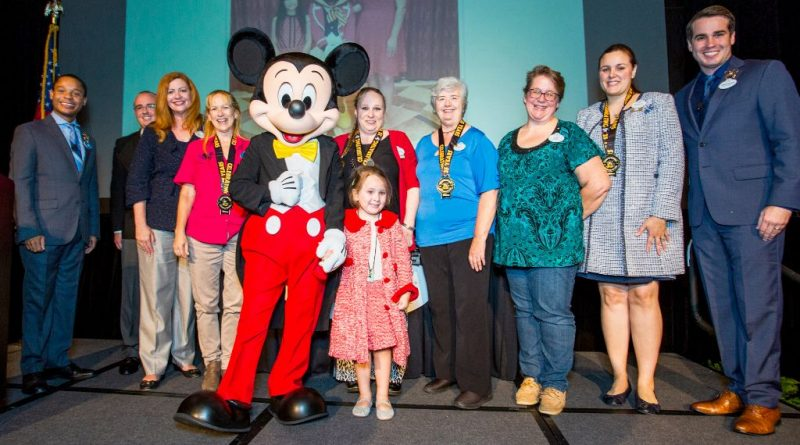 disney 2018 voluntears of the year