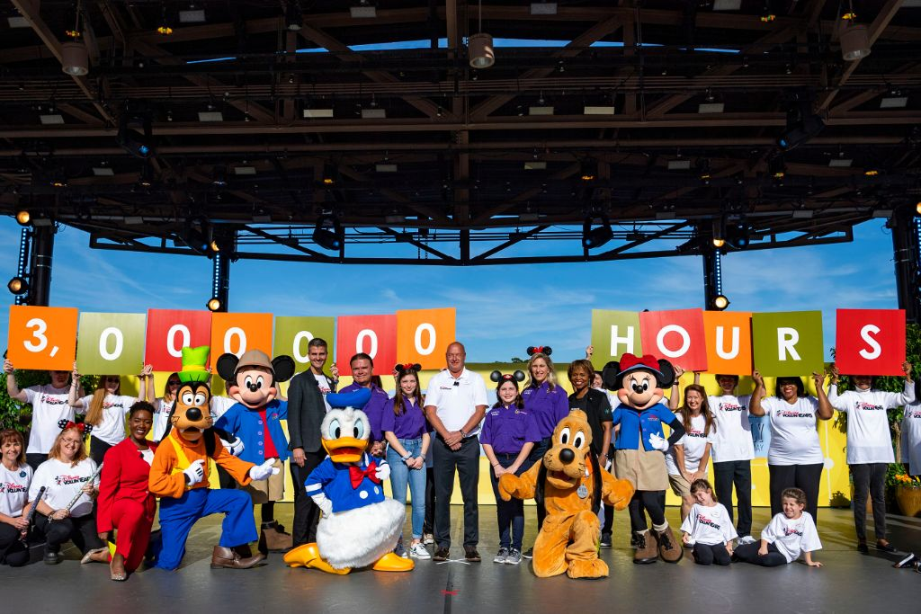Disney and Points of Light Honor 'Volunteer Family of the Year